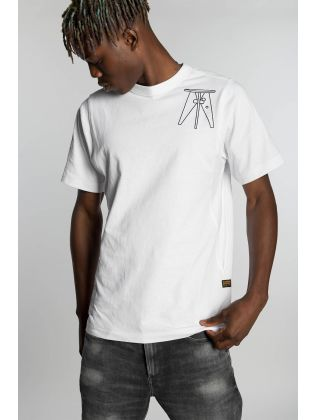 Multi object graphic t-shirt